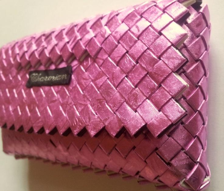 Charmian-delight.: CandyWrapper : Lille flettet lyserød taske