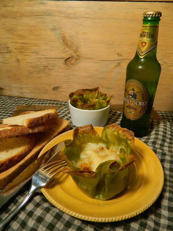 Zuppa di cipolle in cocotte #cucina # birra onion soup in cocotte with Moretti beer on www.cucinagattizen.blogspot.it