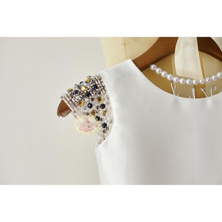Willkommen bei ˙ MonbebeLagos Handmade Kleid Shop ˙  Das MonbebeLagos Kleid ist ein reiner Handarbeit Kleid. Qualitativ hochwertige Köper satin Stoff, farbige handgemachte Perlen Ärmel, volle satin Version-Kleid mit Schärpe und kleinen Bogen auf der Vorderseite. Box-Falten macht das Kleid noch mehr formalen.  Das Kleid ist komplett gefüttert also kein sehen durch überhaupt  >>>>> Informationen für benutzerdefinierter Reihenfolge ist
