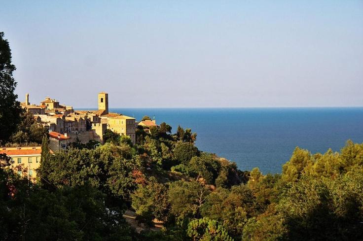 Suggestivo borgo medievale di Torre di Palme (FM) #marcafermana #torredipalme #marche