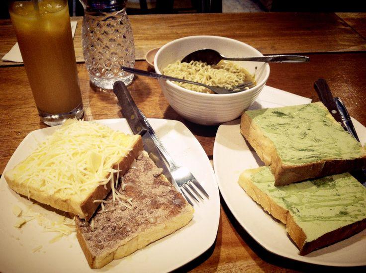 Cafe Upnormal - Bandung
