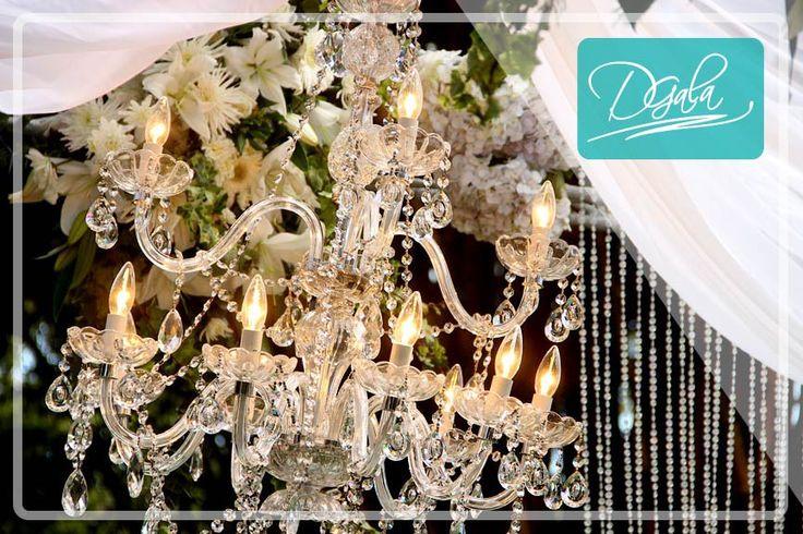 Los Chandeliers llenan cada espacio de elegancia y romanticismo. Visita nuestra sala de exhibición en Guachipelín de Escazú, para más información contactanós: 22-15-64-31 info@dgalaevents.com facebook/dgalaevents