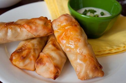 heerlijke loempia'tjes met kip en kaas