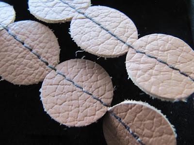 http://modernimummola.blogspot.fi/p/karnevaalikauppa.html