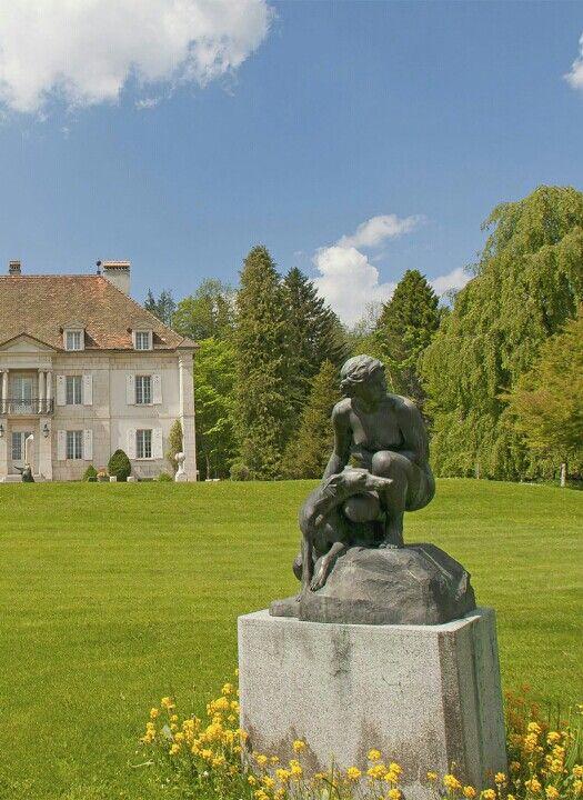 Musée d'Horlogerie du Locle. Château des Monts. Ville du Locle, Jura neuchâtelois. / Uhrenmuseum im Château des Monts in Le Locle im Neuenburger Jura.