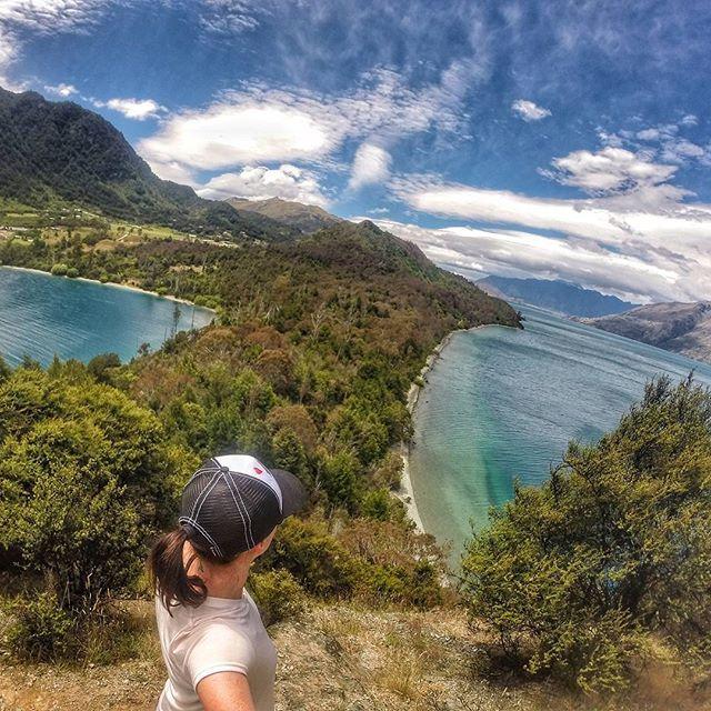 Sunday adventures 😊 #newzealandvacations #queenstown #optoutside #outdoorculture #queenstownnz #queenstownlive #queenstownholidays #wanderlust #travelbug #travelblogger #irishabroad #purenewzealand #womenwhohike #womenwhoexplore #capturenz #kiwipics #gottalovenz #backpacker #nzmustdo #nzmustsee #newzealand #arrowtown #fitspiration #runshots #gopro #lakewakatipu #newzealandguide #destinationnz #newzealandfinds