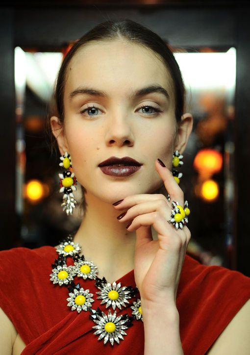 dannijo-nars-lipstick-brunette