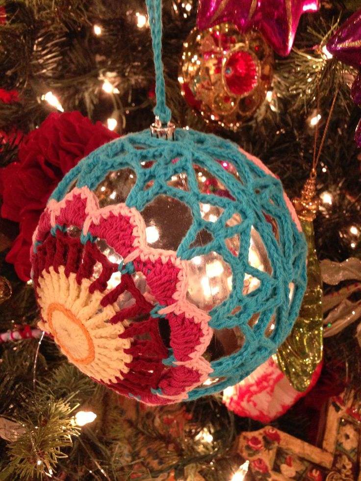 10 Must Have Ornaments For Your Bohemian Styled Christmas