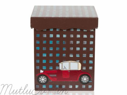 Mutlu evinizin çocuk odası için kahverengi arabalı oyuncak kutusu.Doğal malzemelerden üretilmiş olup sağlığa zararlı madde içermez. Boy: 18 cm Genişlik: 15 cm En: 15 cm