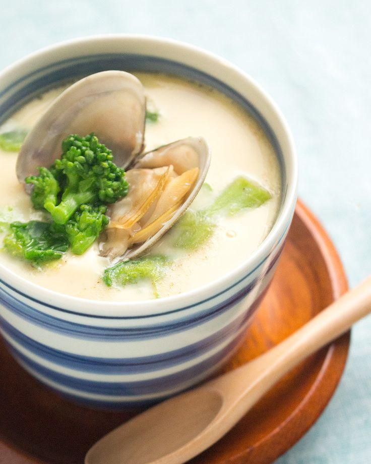お鍋で作る あさりと菜の花の春の茶碗蒸し by saeco / 春が旬の食材を使った茶碗蒸しです。レシピ通りの工程で作れば、お鍋ひとつで調理できます。 / Nadia
