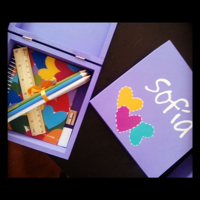 Caja de madera pintada a mano para ni a tarjetas y - Cajas de madera pintadas a mano ...