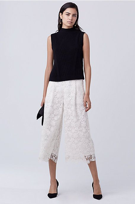 A finely drawn lace adds a feminine edge to this modern culotte style. This fully lined style is easy to pack and perfect for winter getaways.