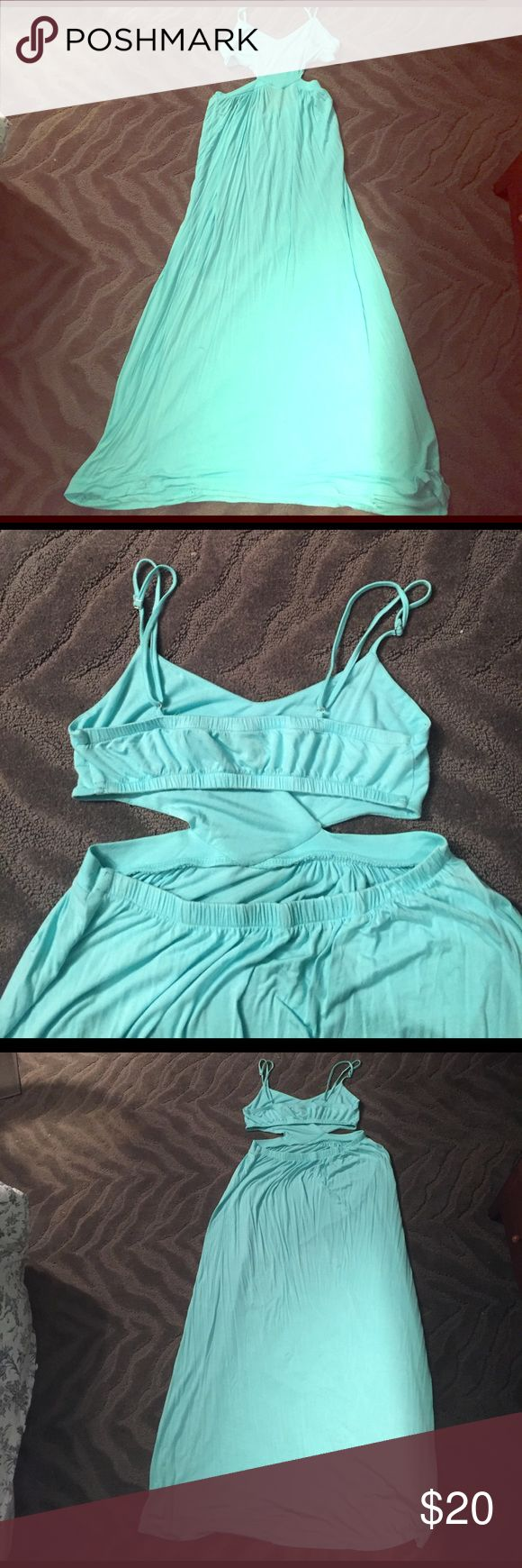 Lira Maxi Dress Teal maxi dress from PacSun. Great for the warmer months. Size medium. Worn less than a few times. Cut off part of the tag ti ensure it didn't peek out the back. lira Dresses Maxi