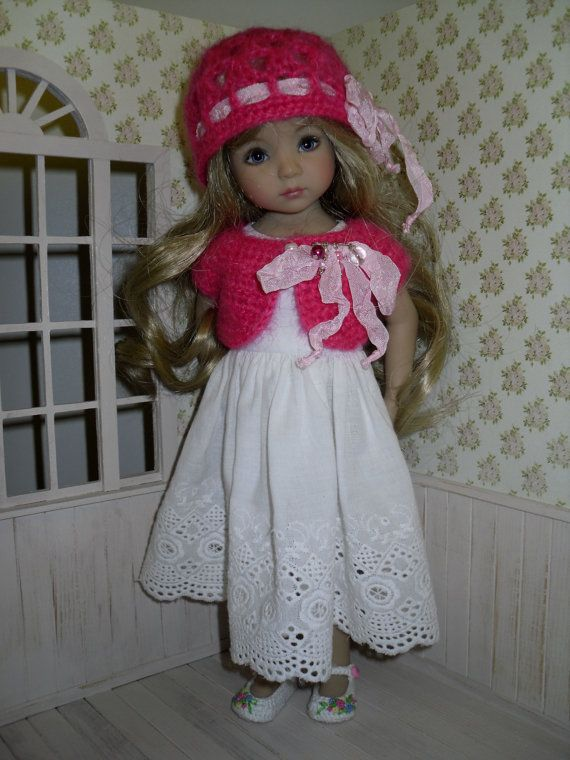 Crochet set for Dianna Effner Little Darling 13 inches doll including:  - hat, - bolero.   All items are handmade.  This listing does not include the…