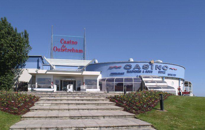 Casino Barrière de Ouistreham : Jeux de Tables, Machines à Sous
