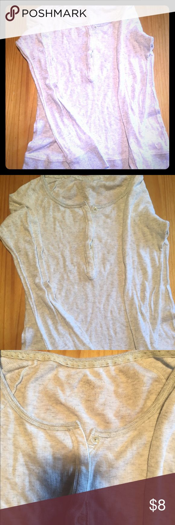 AE Outfitters long sleeve Size medium. Gently used. American Eagle Outfitters Tops Tees - Long Sleeve