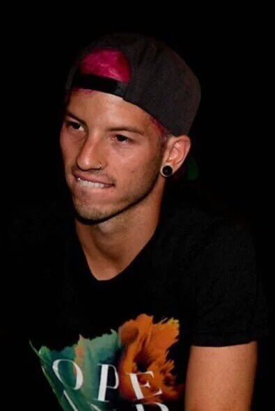 Can we just take a moment to appreciate this picture of Josh Dun