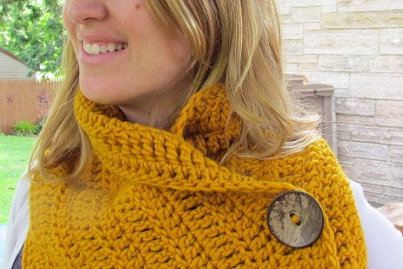 Handmade 100 wool Cowl by HookedByAmy on Etsy, $25.00
