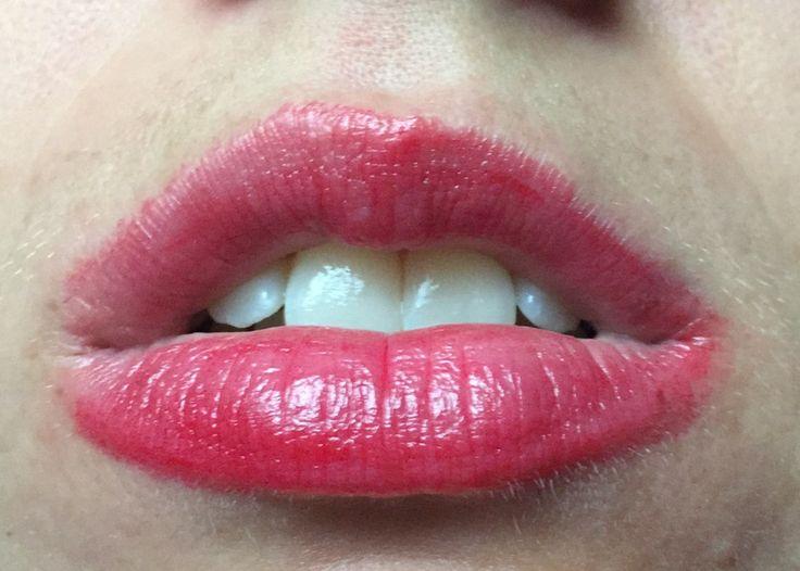 Beyond Alice in Wonderland lipstick 01