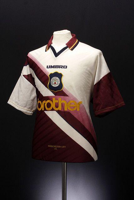 Manchester City Football Shirt (away, 1996- 1997)
