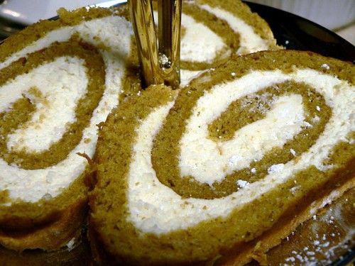 How To Make Cream Cheese Pumkin Roll - HTCLYG
