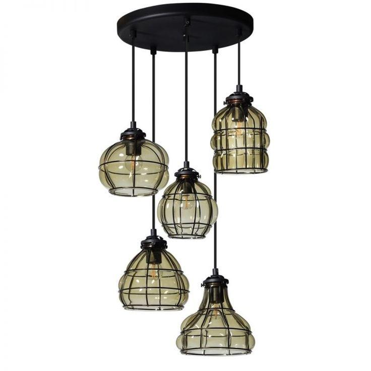 Prachtige stoere #hanglamp past bij iedere zithoek. De lampenkappen van deze klassieke lamp Vennice hebben een zwart metalen frame. De glazen kappen hebben een smokey (rook) afwerking. Kom deze unieke en industriële lamp bekijken bij van de Pol Meubelen.