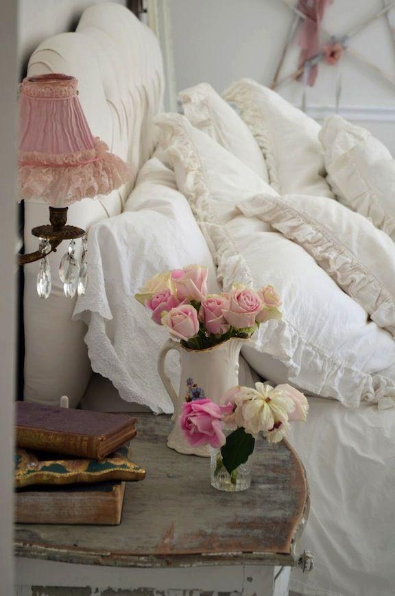 #shabby #chic bedroom simply beautiful... http://www.whitepetalsandpearls.com