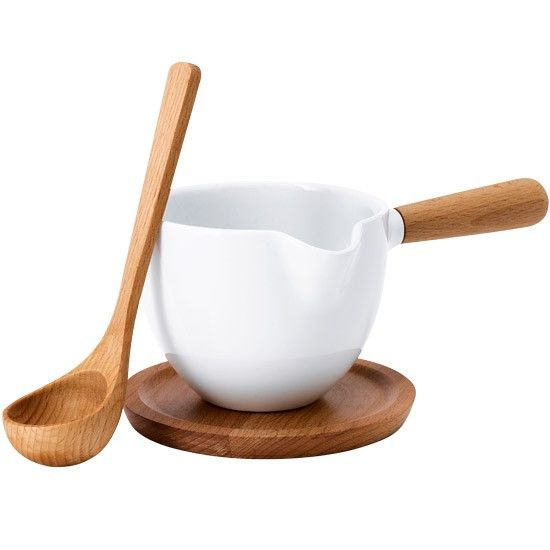 Serve your Sunday lunch gravy in style. Scandinavian-style Luna sauceboat. http://www.housetohome.co.uk/product-idea/picture/scandinavian-kitchens-10-of-the-best-accessories/3