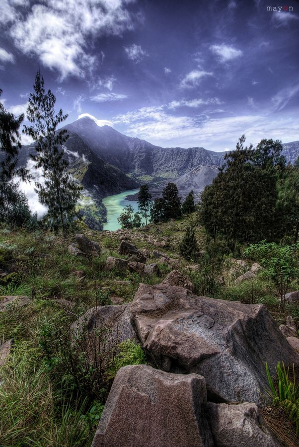 Mount Rinjani Amazing View! It's the 2nd largest volcano mountain in Indonesia.