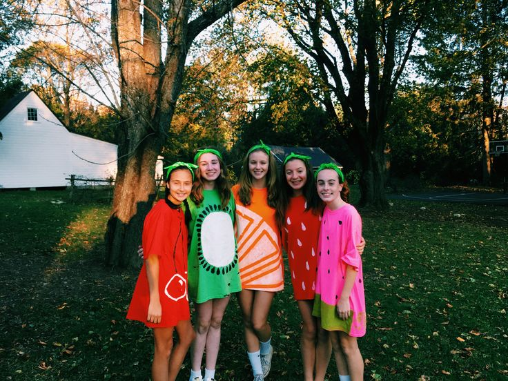 Cute diy fruit costume with friends