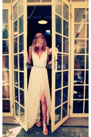 Vestido de novia estilo campestre con escote en V