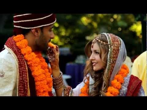 The priest explains so many things! Pay close attention..  --- An Indian Hindu wedding