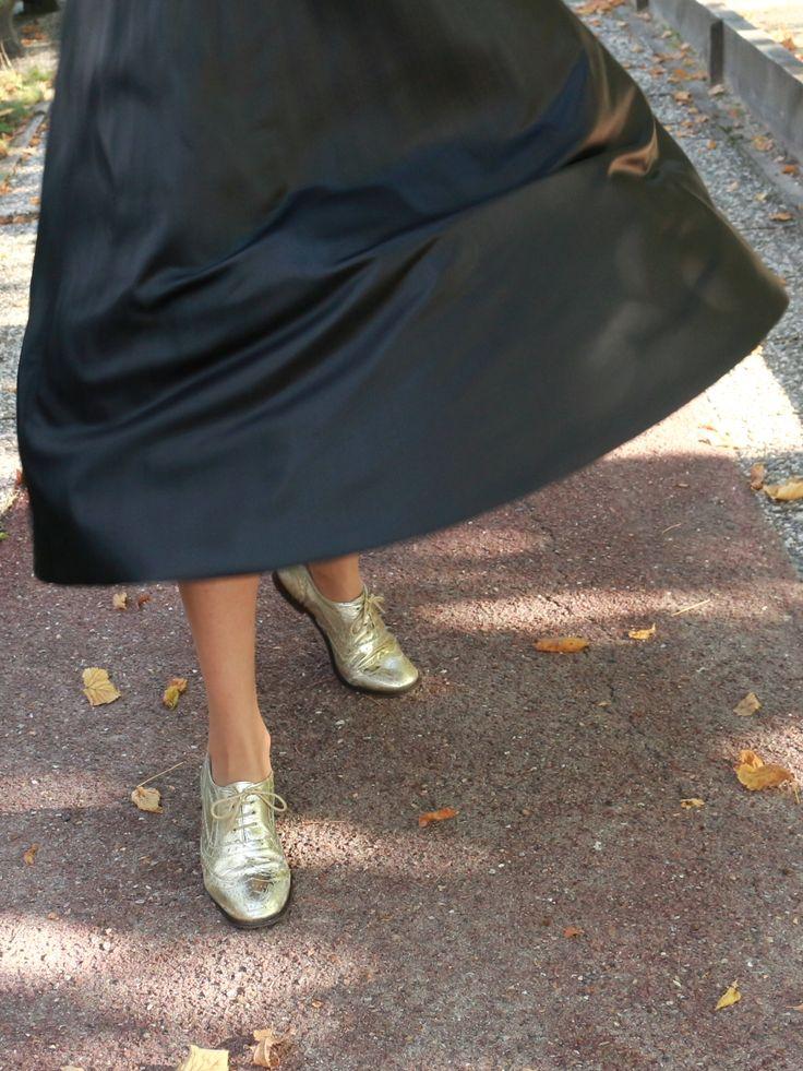COME ON MIRACLE ! | Look jupe plissée en cuir Zara, derbies dorées Asos