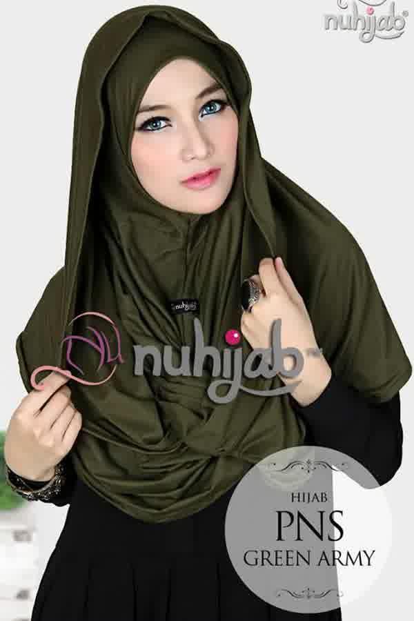 Nuhijab Pns - Green Army Rp. 95.000 Bahan: High Quality Spandex Rayon Variasi : PNS adalah Plain Shawl berbentuk necklace / kalung sangat simple dan praktis buat mom n sist yang tidak suka ribet Ukuran : Panjang : 117 cm Lebar : 59 cm