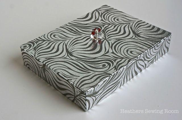 Heather's Sewing Room: Making Two Boxed Gifts