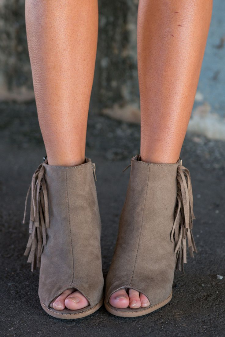 These booties are going to be your life this spring! The are suede, fringe and peep toe!! Basically, they are everything right this world!