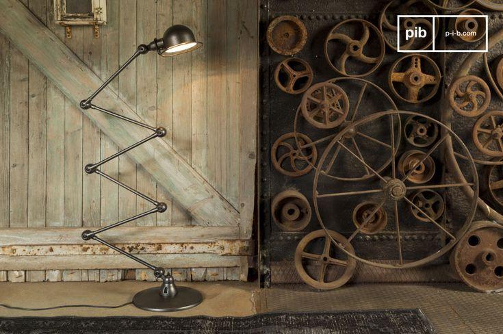 Illuminate i vostri interni con questa piantana Jieldé icona dello stile industriale francese.