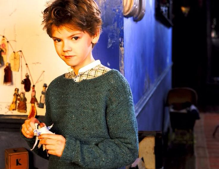 Thomas Sangster as Simon in Nanny McPhee<---Oh gosh he's so tiny and adorable!!!!