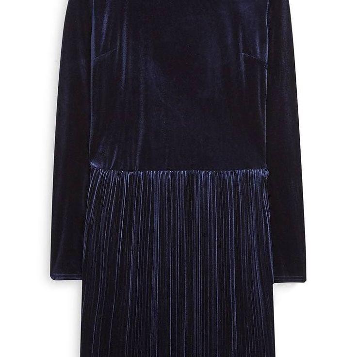 Vestido de Terciopelo azul  Categoría:#primark_mujer #ropa_de_mujer #vestidos en #PRIMARK #PRIMANIA #primarkespaña  Más detalles en: http://ift.tt/2BzNEd4