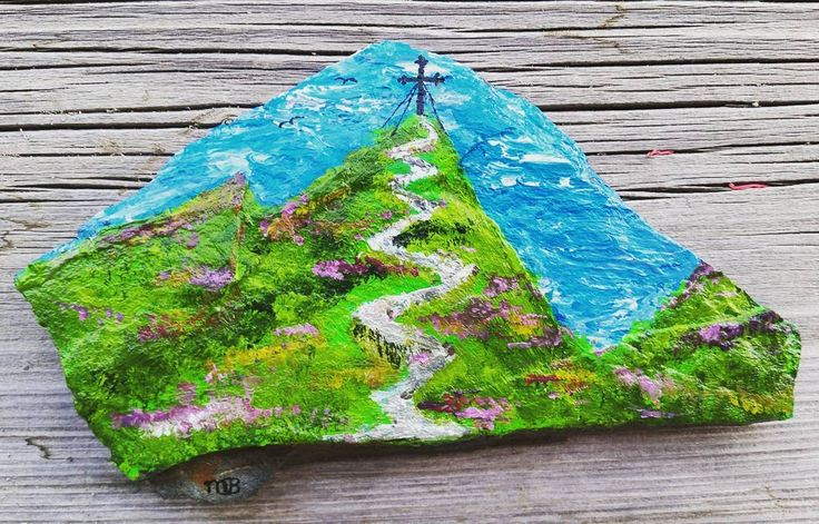 This week we went hiking to the top of the wiedersbergerhorn... it was an awesome trip, so I wanted a souvenir. I took a rock from the top of the mountain and painted it as a memory of our trip. #rock #creative #paintedstones #paintedrocks #rockpainting #acrylics #paint #painting #schilderen #artwork #myart #arteverywhere #art #instacreative #memories #proud #wiedersbergerhorn #summit #mountains #hike #active #hiking #instanature #alps #Austria #fitmom #instafit #fitdutchies #fitfamnl…