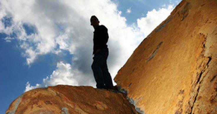 Ejemplos de enunciados personales de misión. Un enunciado de misión personal es una culminación escrita de valores, roles, objetivos, auto reflexión y auto evaluación. Tiene la flexibilidad de cambiar a medida que tú cambias y la habilidad de mantenerte enfocado cuando viajes por un camino que no es aceptable para tus propios valores morales. Crear un enunciado de misión personal es el ...