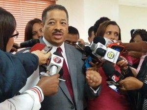 Roberto Rosario defiende en el Senado su derecho a dirigir la JCE otra vez
