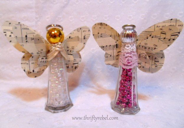 I love repurposing ordinary glass salt and pepper shakers. These sets are easy to find at thrift stores around here and usually are just 50 cents to $1.  #Angel…