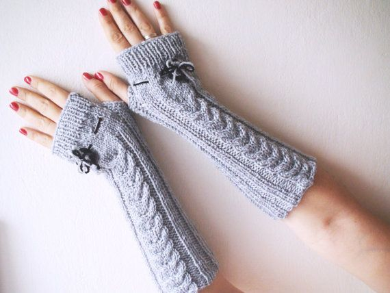 Gray knitted gloves mittens hand knitted by HelenKurtidu on Etsy, €28.00