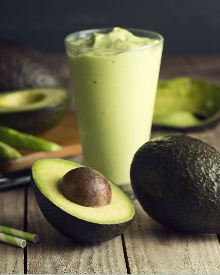 24. Avocado Banana Smoothie #paleo #breakfast #recipes http://greatist.com/eat/paleo-breakfast-recipes