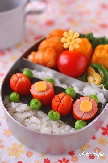 女子大喜び♡ウインナーの飾り切りで作るお花畑弁当!