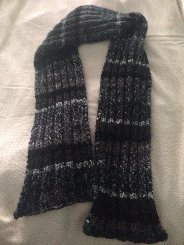 Knitted male scarf for my boyfriend. Special thanks to this simple and easy pattern by http://www.gratefulprayerthankfulheart.com/2010/02/mosaic-monday-knitted-scarf-patterns.html?m=1