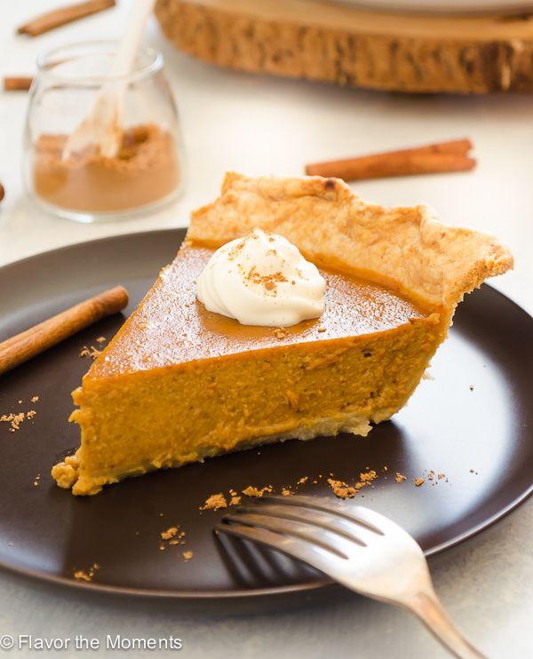 Chai Spiced Pumpkin Pie is an easy classic pumpkin pie with the warm ...
