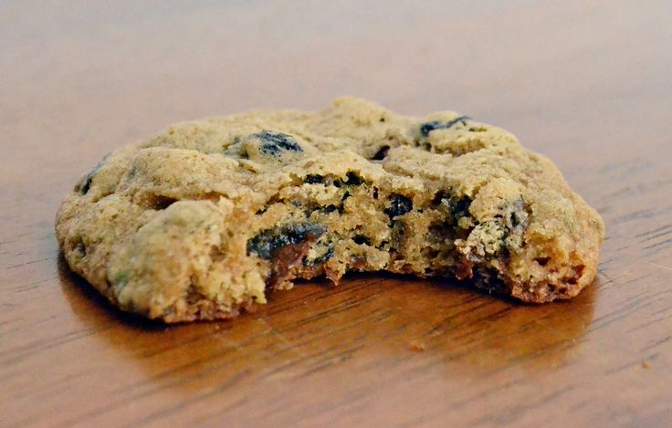 Spicy, sweet, and studded with raisins and currants, this hermit cookies recipe makes a classic New England sweet treat.