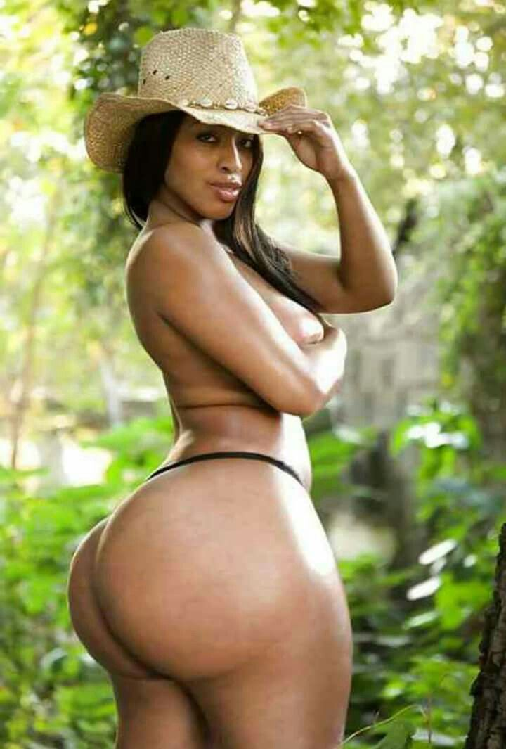 Long black woman with big ass naked pussy shot only